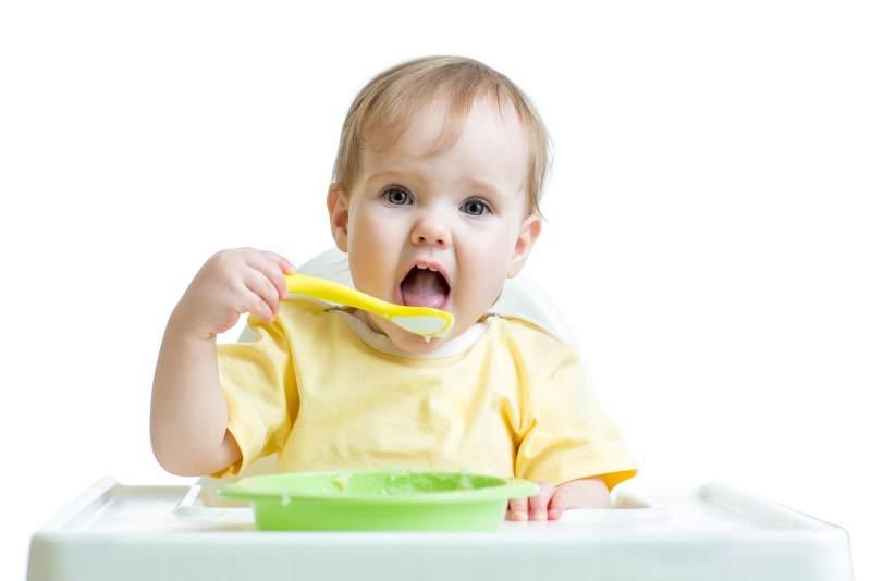 5 Cara Membuat Bayi Anda Miliki Nafsu Makan yang Baik